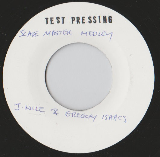 Gregory Isaacs, J Nile : Slave Master Medley | Single / 7inch / 45T  |  Dancehall / Nu-roots