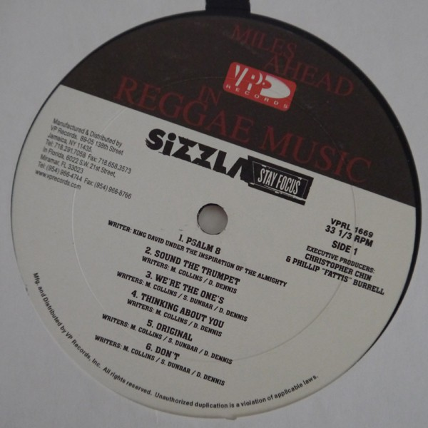 Sizzla : Stay Focus | LP / 33T  |  Dancehall / Nu-roots