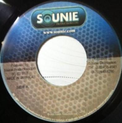 Antony B : The World   Single / 7inch / 45T     Dancehall / Nu-roots