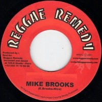 Mike Brooks : Cry | Single / 7inch / 45T  |  UK