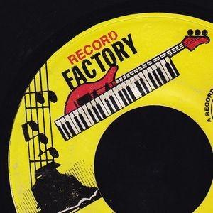 Scion Success : Living Strange | Single / 7inch / 45T  |  Dancehall / Nu-roots